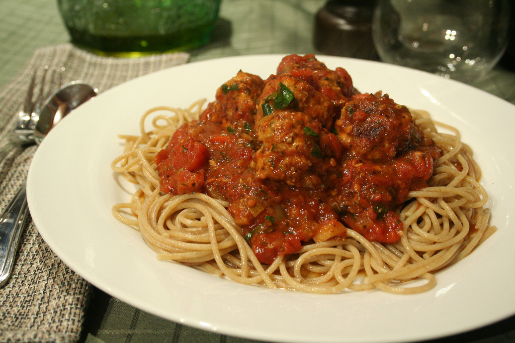Spaghetti Chicken Meatballs (by Sonia! The Healthy Foodie)